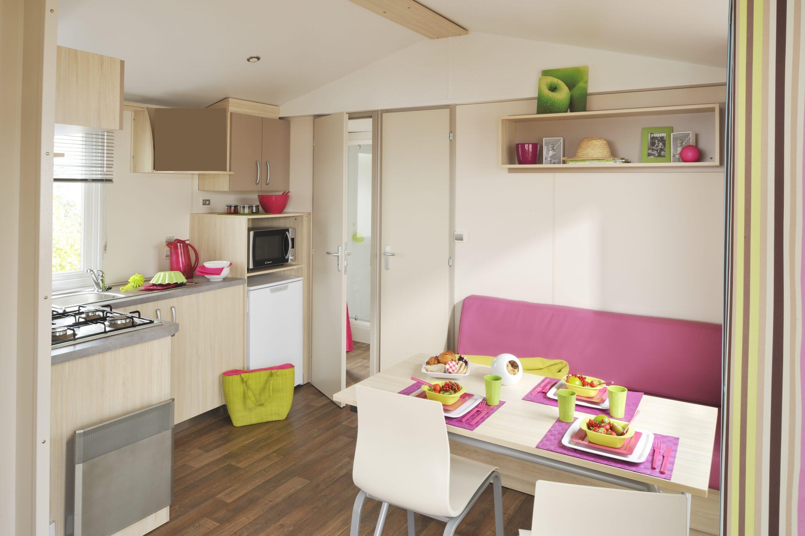 Location-mobil-home-grand-espace-cuisine-camping-saint-jean-de-monts-Le-Tropicana