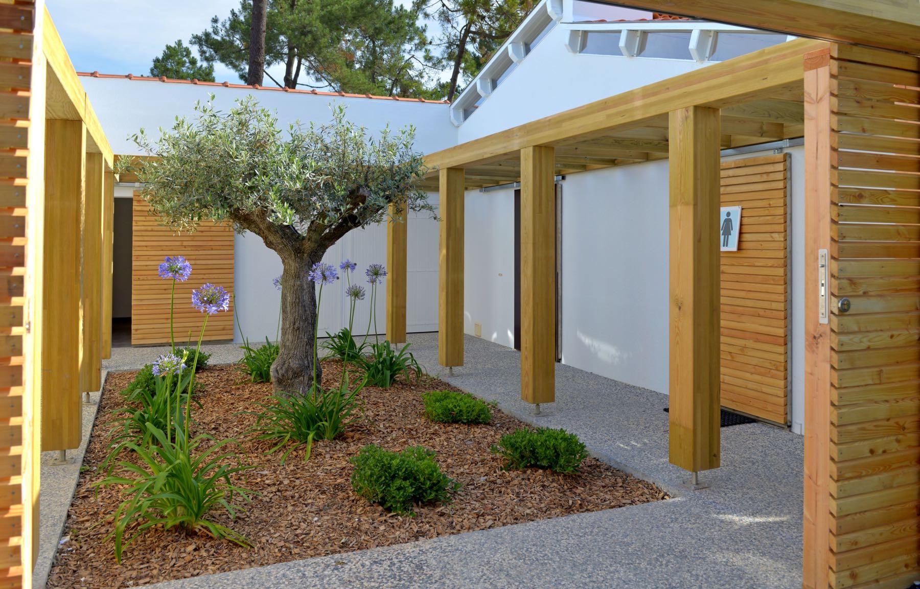 camping-saint-jean-de-monts-sanitaire-Le-Tropicana
