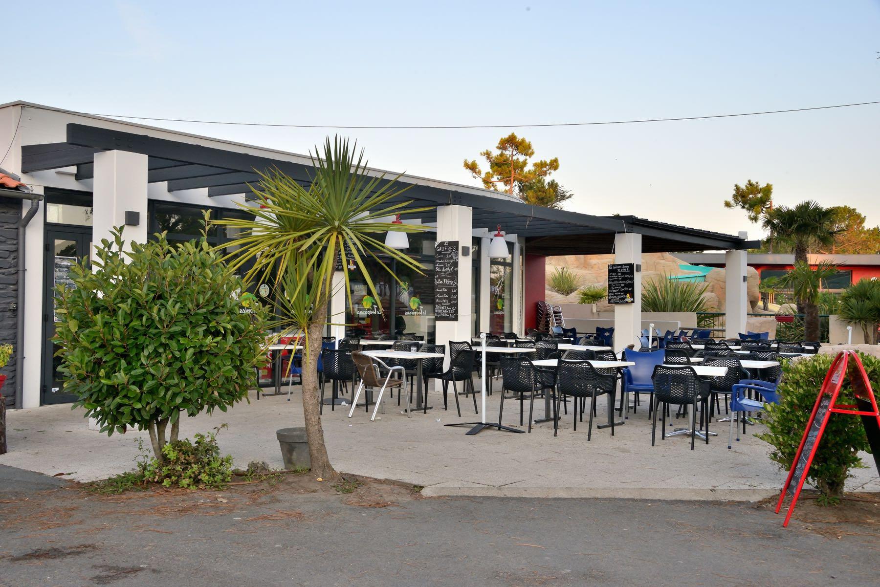 camping-vendee-restaurant-saint-jean-de-monts-Le-Tropicana