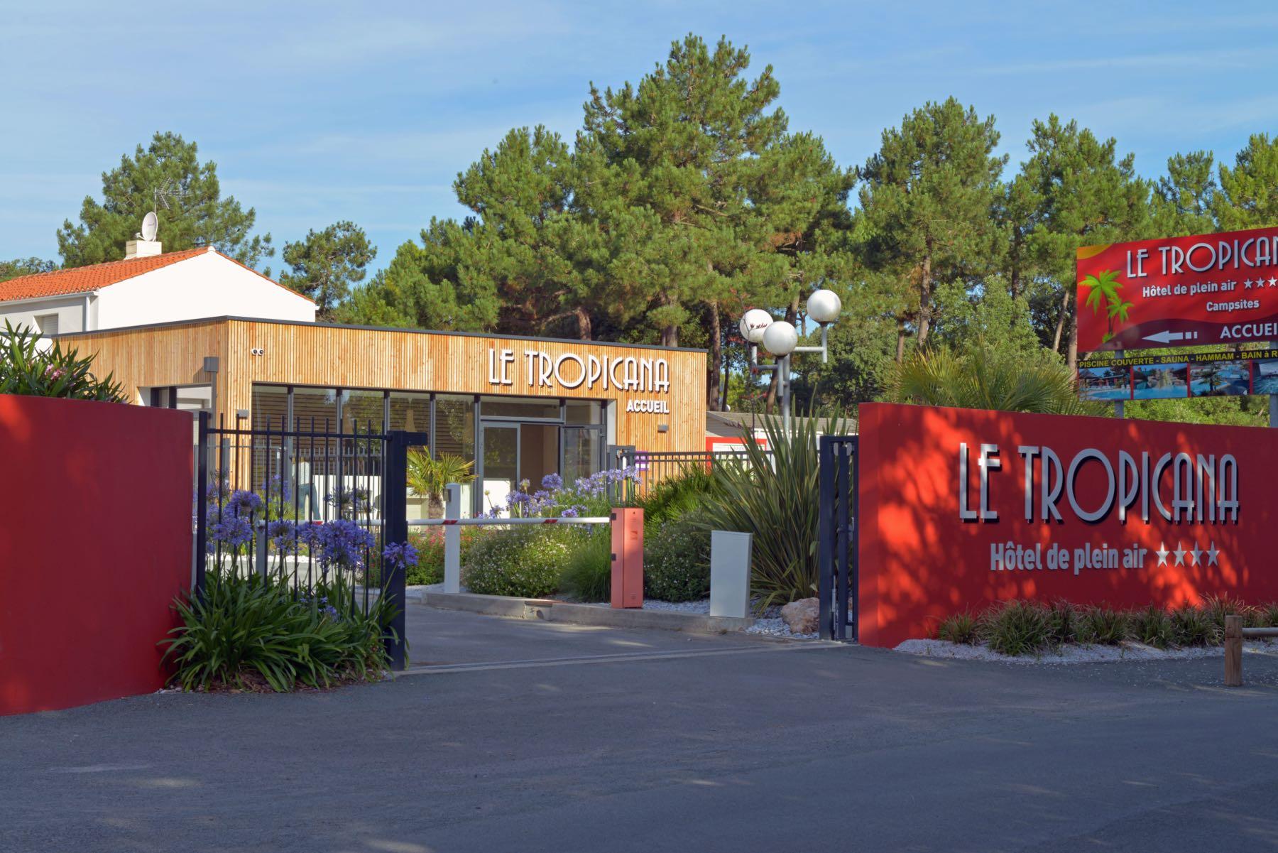 camping-vendee-saint-jean-de-monts-5-etoiles-Le-Tropicana