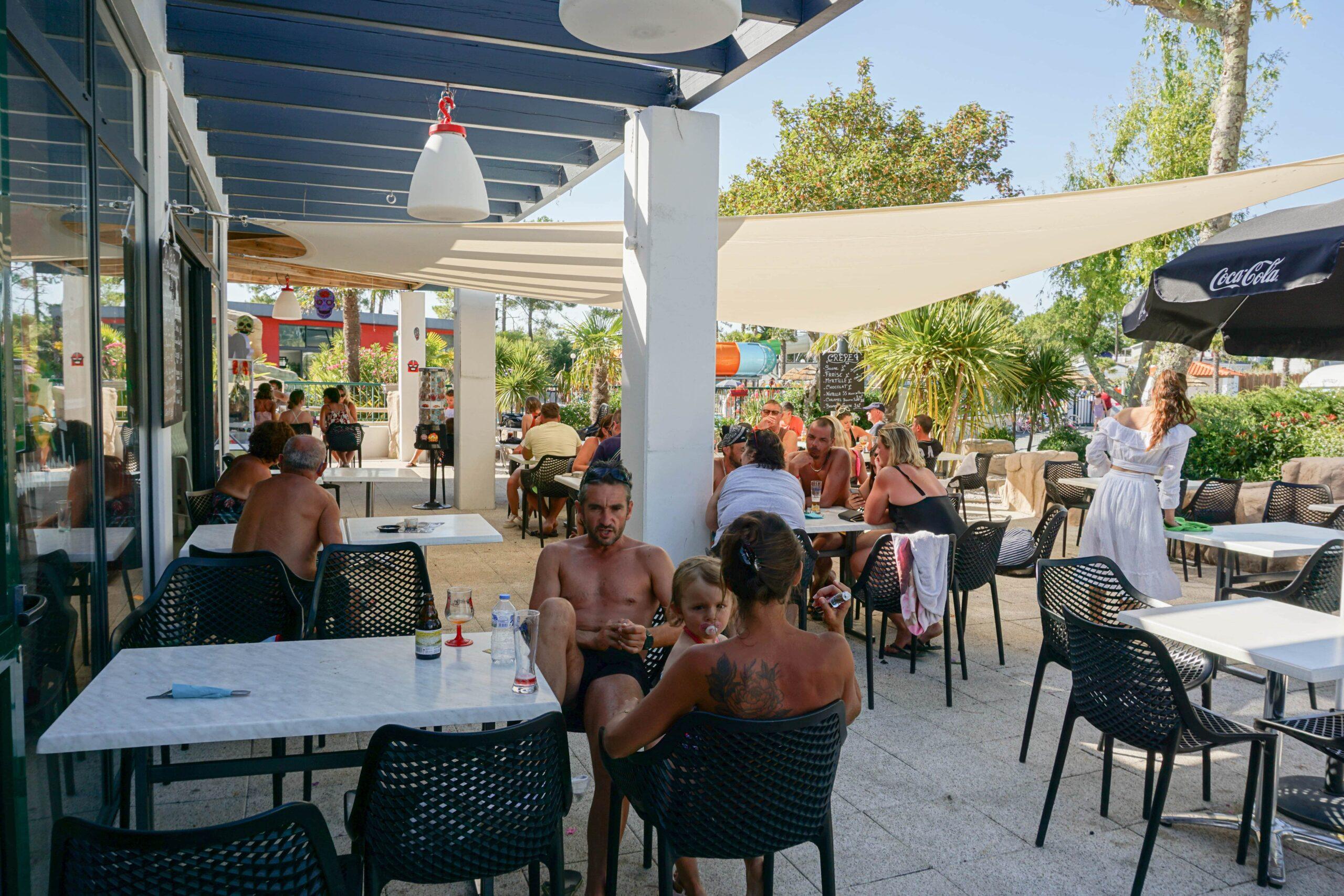 5-sterren camping Saint Jean de Monts restaurant terras Le Tropicana