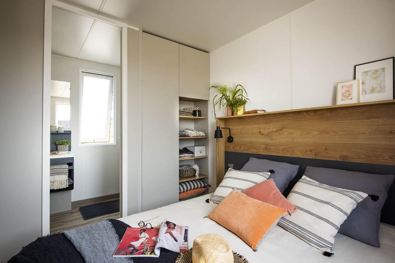 Parental-suite-prestige-three-bedrooms-camping-tropicana